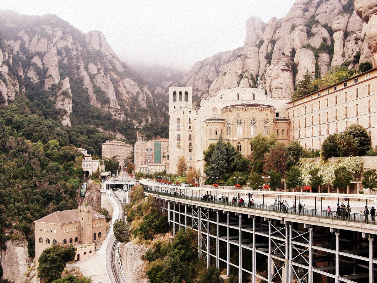 montserrat monastere benedictin