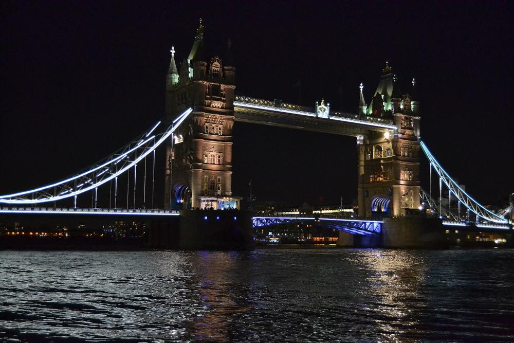 Tower Bridge by night (2)