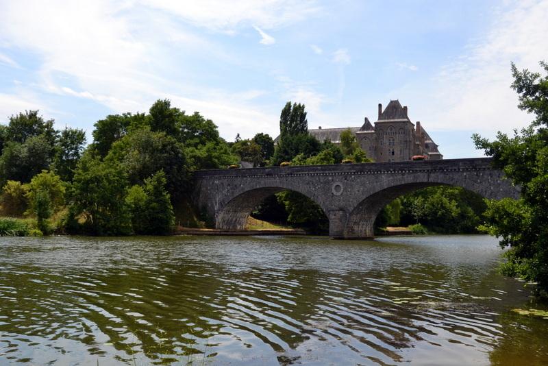 Une curiosité à découvrir, l'abbaye Saint Pierre de Solesmes Sarthe